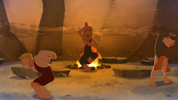 Mit rituellen Tänzen versuchen die Erwachsenen, die drohende Katastrophe zu verhindern.   Rechte: KiKA/hr/TF1/GO-N Productions