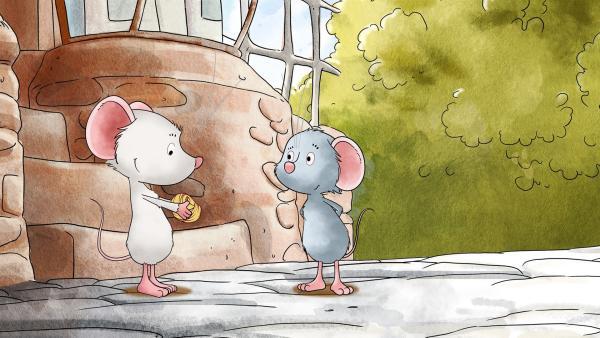 Tilda und Molly vor dem Dorfladen. | Rechte: MDR/WunderWerk