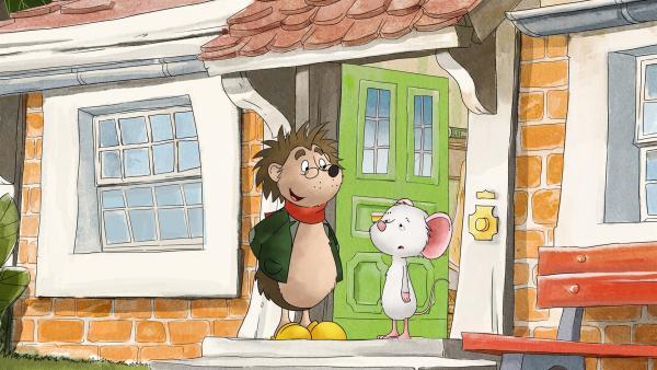 Rupert und Tilda vor Tildas Haus. | Rechte: MDR/WunderWerk