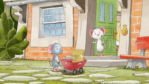 Tilda erklärt Molly, welches Paket zu wem gehört. | Rechte: MDR/WunderWerk