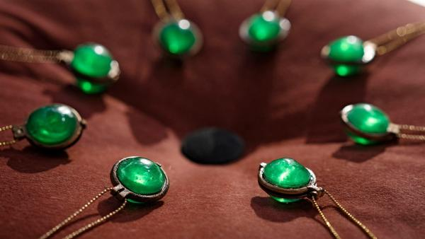 Die jungen Gnes müssen ihr Amulett haben, das den Übergang vom Kind zum Erwachsenen symbolisiert. | Rechte: BR/TV2 Denmark/Agnete Schlichtkrull