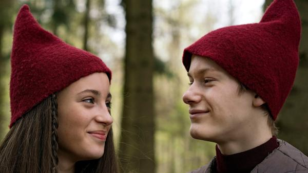 Tinka (Josephine Chavarria Højbjerg) und lasse (Albert Rosin Harson) im Reich der Wichtel | Rechte: BR/TV2 Denmark/Agnete Schlichtkrull