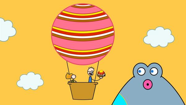 Das Arme Kleine Mädchen lädt TOM zu einer Ballonfahrt ein. TOM fährt begeistert mit.   Rechte: SWR/Studio Film Bilder Stuttgart