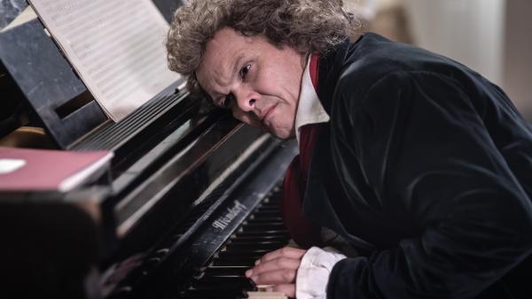 Ludwig van Beethoven: Gehörloser Komponist und Klaviervirtuose. | Rechte: KiKA/Sabine Finger