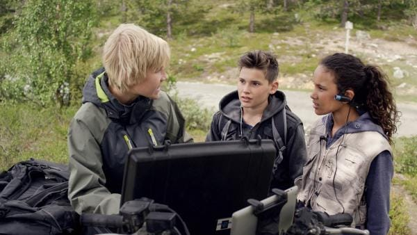 Lars (Bjornar Lysfoss Hagesveen, li.) weiß, wie sie in den Tresorraum gelangen  | Rechte: NDR/NordicStories
