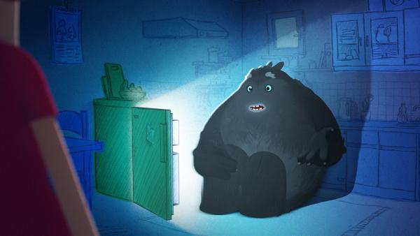 Trudes Tier hat den Kühlschrank geöffnet, weil es Angst im Dunkeln hat. Die Lichtquelle beruhigt es. | Rechte: WDR/Studio Soi