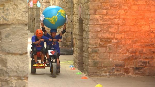 Hannes und Marten in der Kettcar-Challenge | Rechte: rbb/DOKfilm