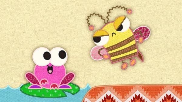 Der Frosch auf meiner Schmusedecke singt sehr gern. Leider klingen seine Lieder so schief. | Rechte: rbb/Studio FILM BILDER