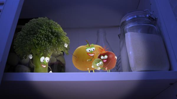 Wohlbehalten kommt der kleine Apfel wieder bei seinen Eltern in der Speisekammer an. | Rechte: rbb/Bastei Media
