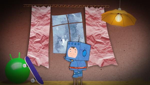 Timmi steht traurig am Fenster. | Rechte: MDR/rbb/NDR/MotionWorks