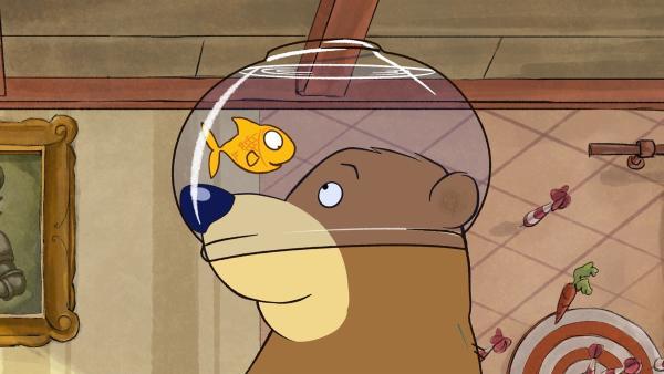 Pottwals Glas ist aus Versehen auf Dr. Brumms Kopf gelandet. | Rechte: rbb/WunderWerk/TRIKK 17
