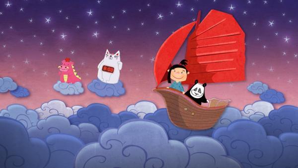 In diesem traditionellen chinesischen Wiegenlied wird das Bett im Traum zu einem Schiff, mit dem das chinesische Mädchen und ihr Panda Plüschtier ein kleines Abenteuer in den Wolken erleben. | Rechte: rbb/2018 Rothkirch Cartoon-Film GmbH