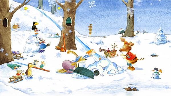 Der kleine Rabe Socke ist begeistert: Es schneit! Voller Freude singen seine Freunde der Hase, der Dachs, das Wildschwein Stulle und der Maulwurf  das Lied vom Schneeflöckchen, Weißröckchen. | Rechte: rbb/fischer& fischer tv production