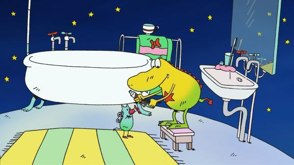 Zeit für Molly, schlafen zu gehen. Erst aber will sie Edison zu Bett bringen. | Rechte: rbb/Alexandra Schatz Filmproduktion