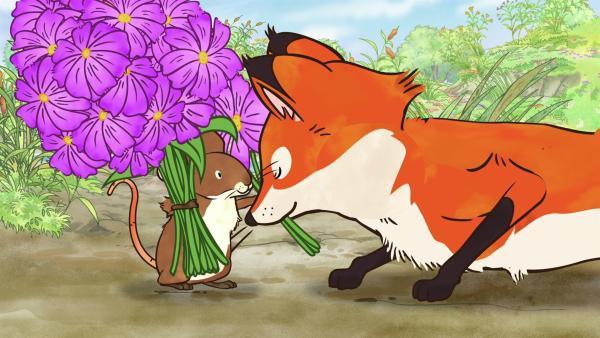 Auch der Fuchs bekommt einen Blumenstrauß. | Rechte: KiKA/SLR Productions Australia Pty.Ltd./Scrawl Studios Pte Ltd./hr/ARD