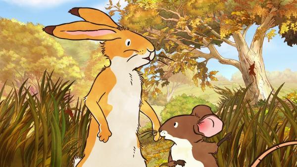 Der kleine braune Hase und die kleine Feldmaus sind an einem windigen Herbsttag im Tal unterwegs. | Rechte: KiKA/SLR Productions Australia Pty.Ltd./Scrawl Studios Pte Ltd./hr/ARD