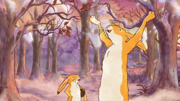 Die beiden braunen Hasen freuen sich über die weiße Wunderwelt. | Rechte: KiKA/SLR Productions Australia Pty.Ltd./Scrawl Studios Pte Ltd./hr/ARD