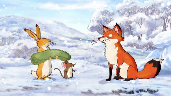 Die kleine Feldmaus und der kleine braune Hase treffen bei ihrem Winterspeziergang auf die kleine Rotfüchsin. | Rechte: KiKA/SLR Productions Australia Pty.Ltd./Scrawl Studios Pte Ltd./hr/ARD