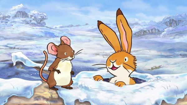Als der kleine braune Hase und die kleine Feldmaus den hohlen Baumstamm verlassen, ist der Frühling immer noch nicht da. | Rechte: KiKA/SLR Productions Australia Pty.Ltd./Scrawl Studios Pte Ltd./hr/ARD