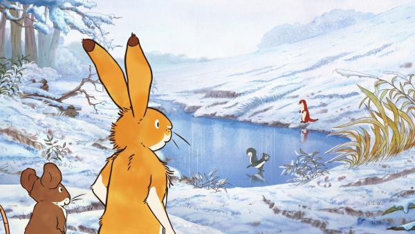 Die Freunde vertreiben sich den Tag mit Eislaufen auf dem zugefrorenen See. Der kleine braune Hase hat das bisher noch nie gemacht. | Rechte: KiKA/SLR Productions Australia Pty.Ltd./Scrawl Studios Pte Ltd./hr/ARD