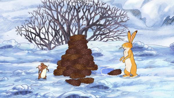Der kleine braune Hase ist ganz stolz: Er hat einen großen Tannenzapfenbaum gebaut.   Rechte: KiKA/SLR Productions Australia Pty.Ltd./Scrawl Studios Pte Ltd./hr/ARD