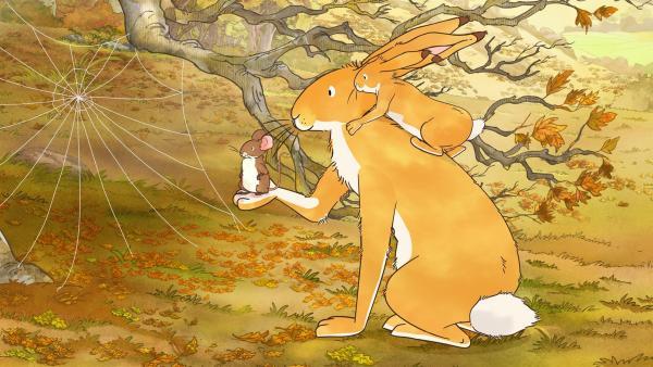 Der kleine Hase und die kleine Feldmaus spielen Wettrennen. Dabei macht der kleine Hase aus Versehen das Spinnennetz einer Spinne kaputt. Er ist untröstlich. | Rechte: KiKA/SLR Productions Australia Pty.Ltd./Scrawl Studios Pte Ltd./hr/ARD