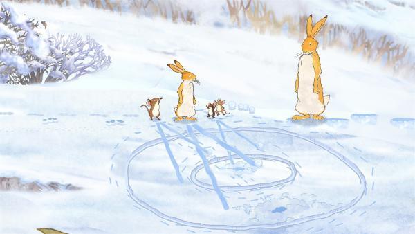 Beim Schneeball-Weitwerfen gewinnt der kleine Hase immer gegen die Mäuse. | Rechte: KiKA/SLR Productions Australia Pty.Ltd./Scrawl Studios Pte Ltd./hr/ARD