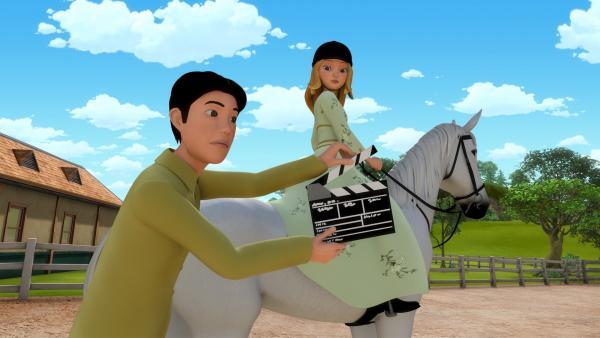 Auf Rosenborg soll ein Werbefilm gedreht werden. Eigentlich hatte Wendy (re.) gar kein Interesse an der Hauptrolle... | Rechte: ZDF/Wendy and Associated Characters (c) WPL 2012