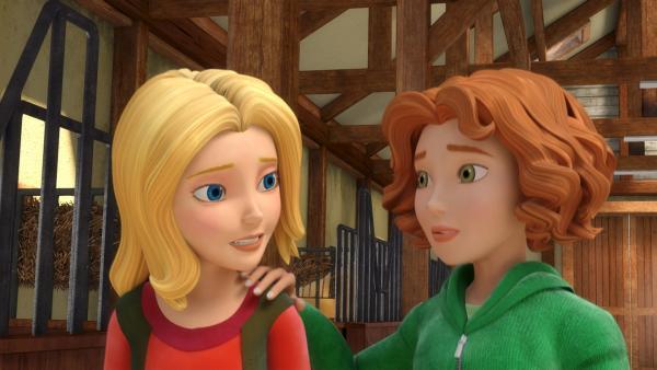 Bianca (re.) drängt Wendy (li.) dazu, deren Vater Gunnar die Wahrheit zu sagen. | Rechte: ZDF/Wendy and Associated Characters (c) WPL 2012
