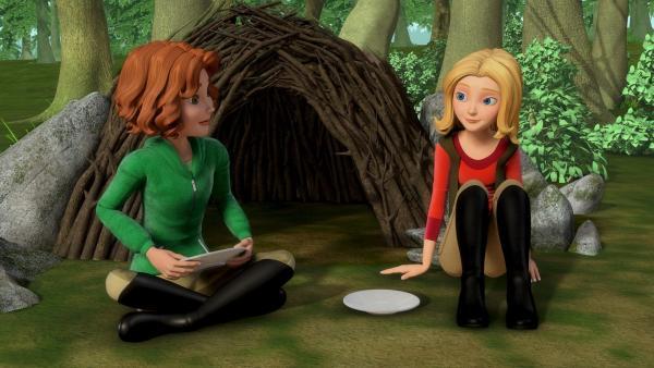 Wendy (re.) ist überrascht, wie gut Bianca sich in der Natur auskennt. | Rechte: ZDF/Wendy and Associated Characters (c) WPL 2012