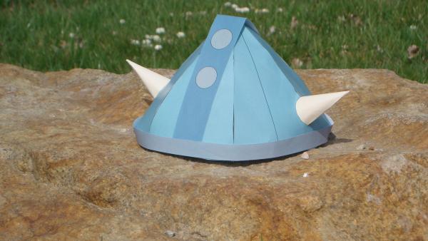 der fertig gebastelte Wickie-Helm | Rechte: KiKA