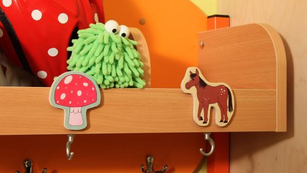 Und Mop? Das Pferd inspiriert ihn zu einer Idee. | Rechte: NDR/Trikk17