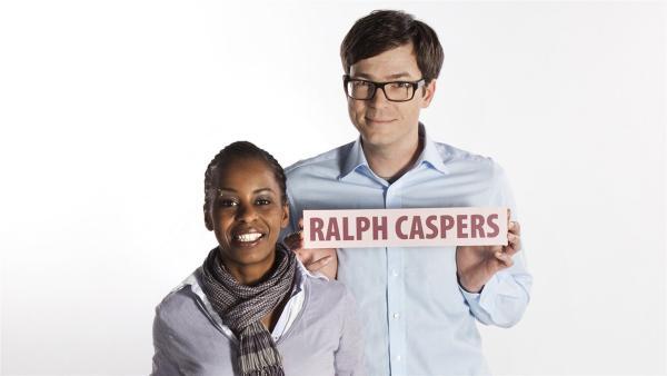Shary Reeves und Ralph Caspers führen durch die Welt der außergewöhnlichen Fragen. | Rechte: WDR/Nola Bunke