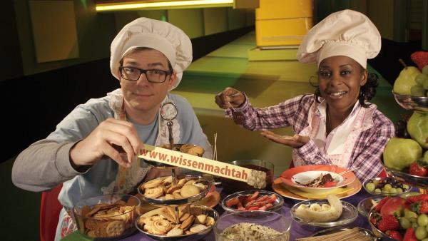 Shary und Ralph melden sich heute aus ihrer Küche und zeigen, was zu einem leckeren Kuchenfondue gehört. | Rechte: WDR/Thorsten Schneider