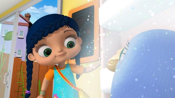 Im Eisschrank findet Wissper eine besorgte Pinguinmutter.   Rechte: ZDF/m4e