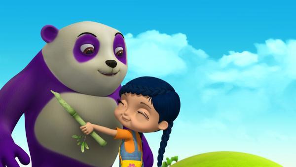 Wissper begrüßt ihren Freund Dan, den Panda. | Rechte: ZDF/m4e