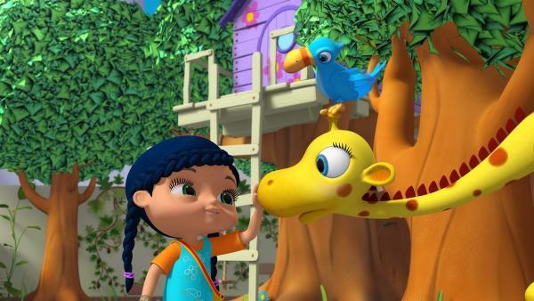 Im Garten begrüßt Wissper Giraffe Gertie und deren Freund, den Vogel Otis.   Rechte: ZDF/m4e