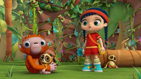 Wissper versucht, eine Lösung für die ungleichen Freunde Orang-Utan Ollie und Lori-Mädchen Lotti zu finden, während Lori-Mutter Sonia bereits eingeschlafen ist.   Rechte: ZDF/M4e