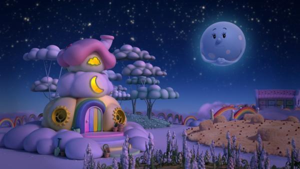 Frau Mond scheint im nächtlichen Wolkenland.   Rechte: KiKA/Hoho Entertainment
