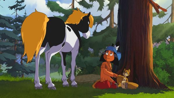 Das Flughörnchen hat sich bei einem Wettrennen verletzt. Yakari und sein Pony Kleiner Donner helfen ihm. | Rechte: WDR/Ellipsanime Productions/Belvision/Les Cartooneurs Associés/2 Minute
