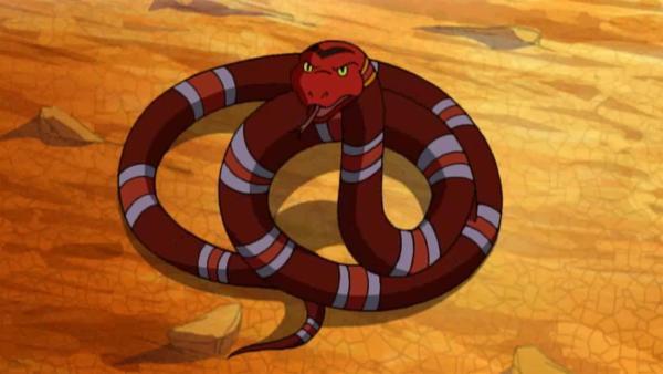 Yakari trifft auf die Schlange Rotkopf, die ihnen ein Geheimnis anvertraut. | Rechte: WDR/Storimages