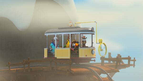 Mit dem Ventilator der Bahn vertreibt die Zoobande den dichten Nebel.   Rechte: ZDF/Gaumont Animation