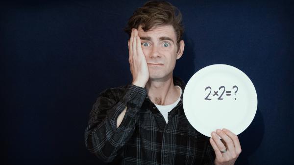Matt verrät dir, wie du aus einer Münze zwei machst und aus zwei Münzen vier. | Rechte: KiKA