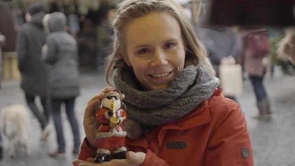Feiertags-Reporterin Elisabeth ist Weihnachten auf der Spur.  | Rechte: KiKA/Radio Bremen/Bremedia