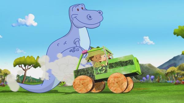 Zoé, Hamid und Carla probieren mit dem Dinosaurier im Zoo ein ganz neues Spiel aus. | Rechte: KiKA/Mike Young Productions