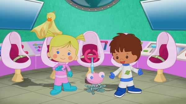 Zoé, Finn, Soggi und QuackQuack sind heute Astronauten und fliegen ins Weltall. | Rechte: KiKA/Mike Young Productions