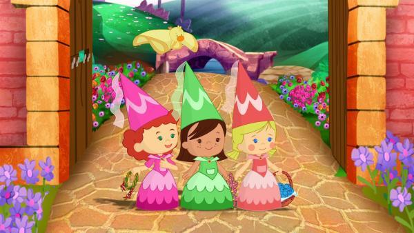 Zoé, Carla und Tanja sind auf die Geburtstagsparty der Prinzessin eingeladen. Auf dem Weg zum Schloss sammeln sie Geschenke für die Prinzessin: selbst gepflückte Beeren, handgeflochtene Blumenkränze, ein selbst geflochtenes Springseil. | Rechte: KiKA/Mike Young Productions
