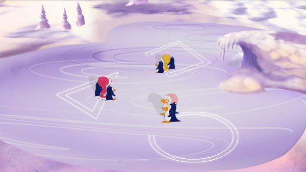 Die drei Freundinnen Zoé, Tanja und Lili laufen begleitet von Pinguinen mit Schlittschuhen auf dem Eis. | Rechte: KiKA/Mike Young Productions