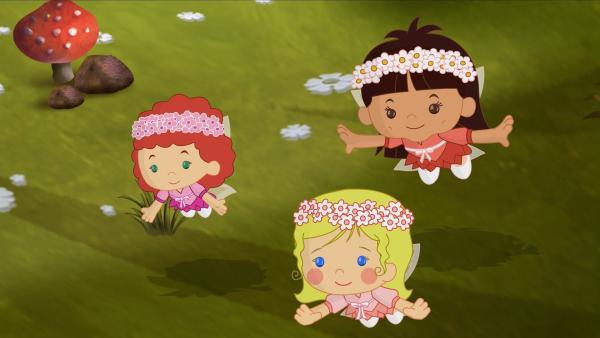 Tanja, Zoé und Yasemin sind diesmal Waldfeen. | Rechte: KiKA/Mike Young Productions