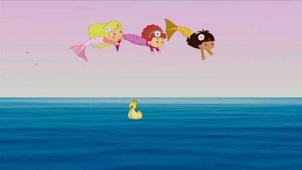Zoé, Tanja und Yasemin können wie Fische durchs Wasser springen. | Rechte: KiKA/Mike Young Productions